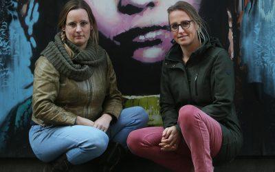 Deze moeders verzetten zich tegen mondkapjes op school: 'Het gaat om de toekomst van onze kinderen'
